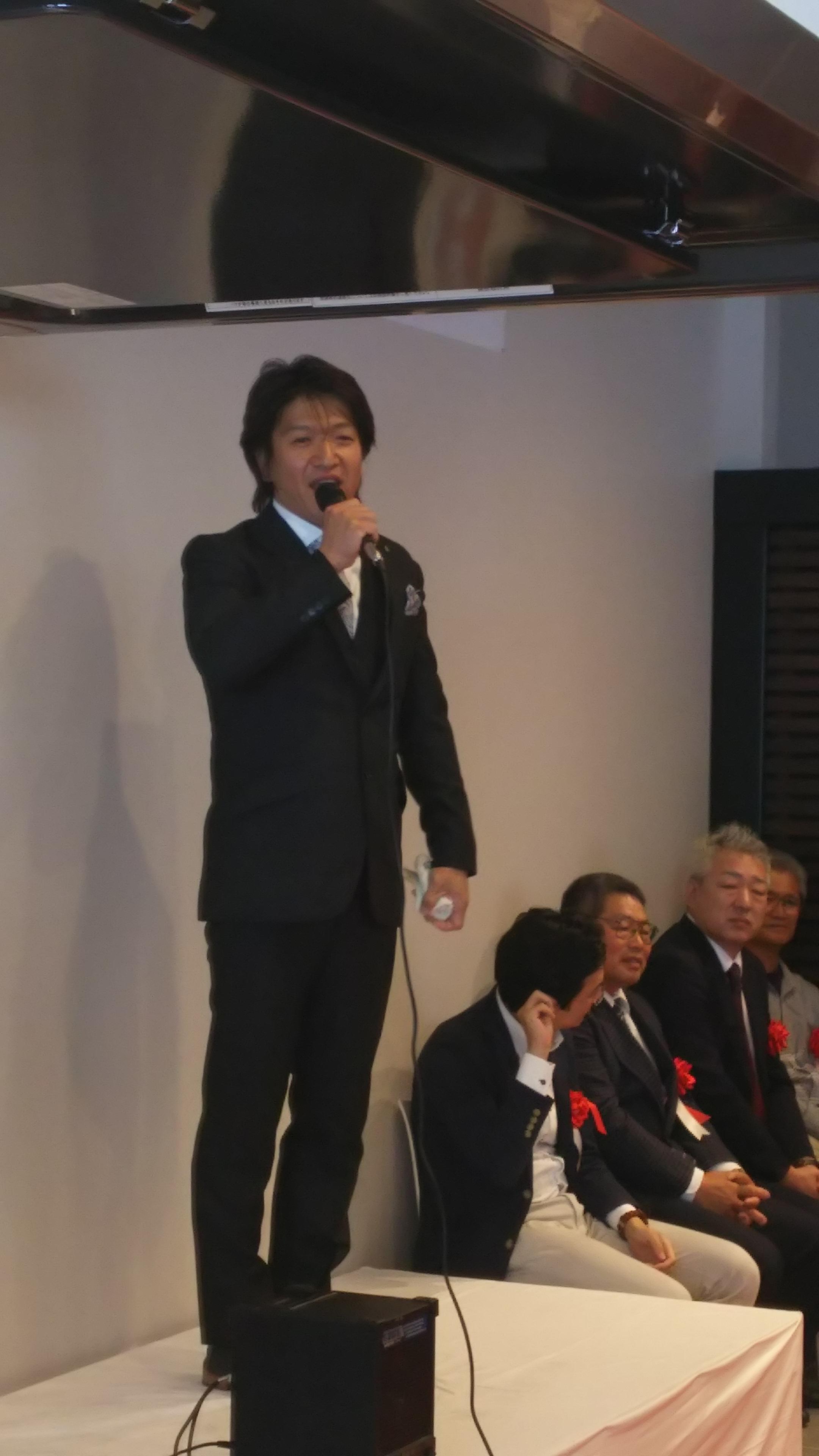 人の出会いと感謝を忘れずに愛される会社作りを行うと述べた及川達也社長